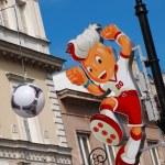 Euro 2012 Mascot on Krakowskie Przedmiescie in Warsaw, Poland — Stock Photo #11016865