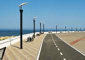 Deserted seafront promenade — Stock Photo