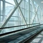 Escalator in modern building — Stock Photo #12373254