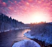 Beautiful river in winter landscape — Stock Photo