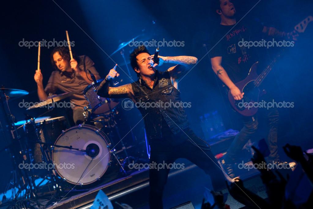 "ST. PETERSBURG, RUSSIA - JUNE 22: Group ""Papa Roach"" in concert on June 22, 2011 in St Petersburg, Russia  — Stock Photo #11860157"