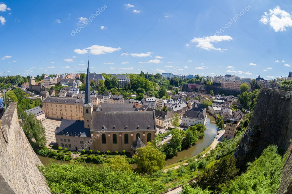 Panoramic view of the Grund, the old town of Luxembourg — Stock Photo #11284242