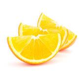 オレンジ色の果物セグメントが白い背景で隔離のスライス — ストック写真