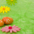 Easter background. Easter eggs and flowers. — Stock Photo