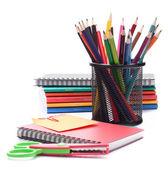 Pila de cuaderno y lápices. acce estudios escolares y estudiantes — Foto de Stock