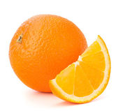 Fruta entera naranja y su segmento o cantle — Foto de Stock