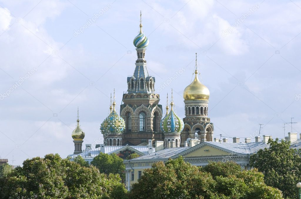 "Saint Petersburg, Russia, Orthodox Church ""Spas na Krovi"". Church of the savior on spilled blood or Cathedral of the Resurrection of Christ — Stock Photo #11464715"