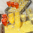 Foto Stock: Champagne and orange juice