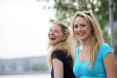 Spontaneity and laughter amongst friends — Stock Photo