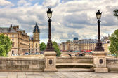 Paris cityscape. Pont Neuf. — Stock Photo