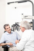 Optometrist doing Sight Testing — Stock Photo