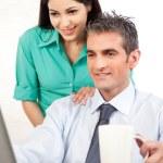 homme d'affaires et femme d'affaires au travail — Photo