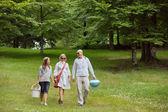 Amigos em um passeio de fim de semana — Foto Stock