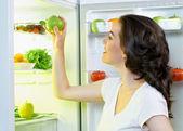 Nevera con alimentos — Foto de Stock