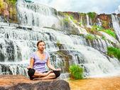 Meditando — Foto de Stock