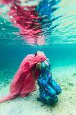 水下的女人 — 图库照片
