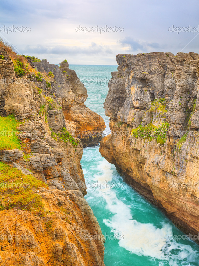 Punakaki Pancake Rocks in Paparoa National Park — Stock fotografie #12034155