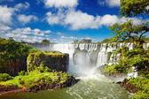Vista desde el lado argentino, las cataratas del iguazú — Foto de Stock