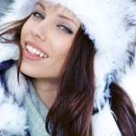 Beauty woman in the winter scenery — Stock Photo #11661137