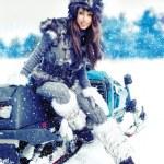 Beauty woman in the winter scenery — Stock Photo #11661301