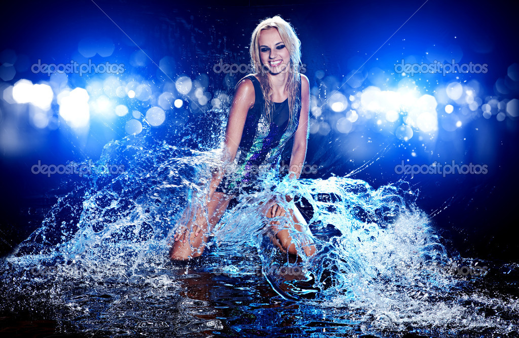 Young sexy woman. Water studio photo. — Stock Photo #11987378