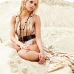 夏のビーチで運動若い女性 — ストック写真