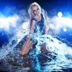 jonge sexy vrouw. water studio foto — Stockfoto