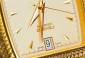 ゴールド スイス時計を閉じる — ストック写真