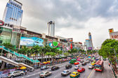 Automobile stopper on one of the central streets of Bangkok — Stock Photo