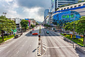 Free way on one of the central streets of Bangkok — Stock Photo