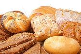 ассортимент хлеба над белой — Стоковое фото