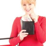 donna con banconote euro nel portafoglio — Foto Stock