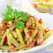 Yellow string beans with ham and paprika — Stock Photo