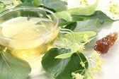 Hot fresh linden blossom tea — Stock Photo