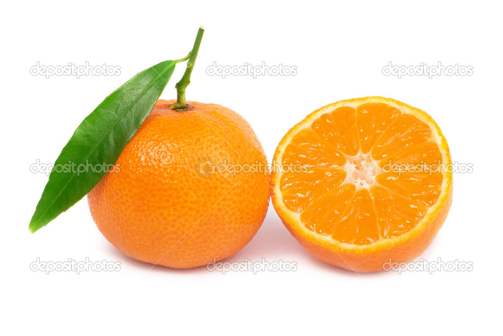 Orane mandarins with green leaf isolated on white background — Stock Photo #11157781