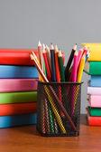 Stifte und bücher — Stockfoto