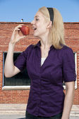 Woman Eating an Apple — Stock Photo