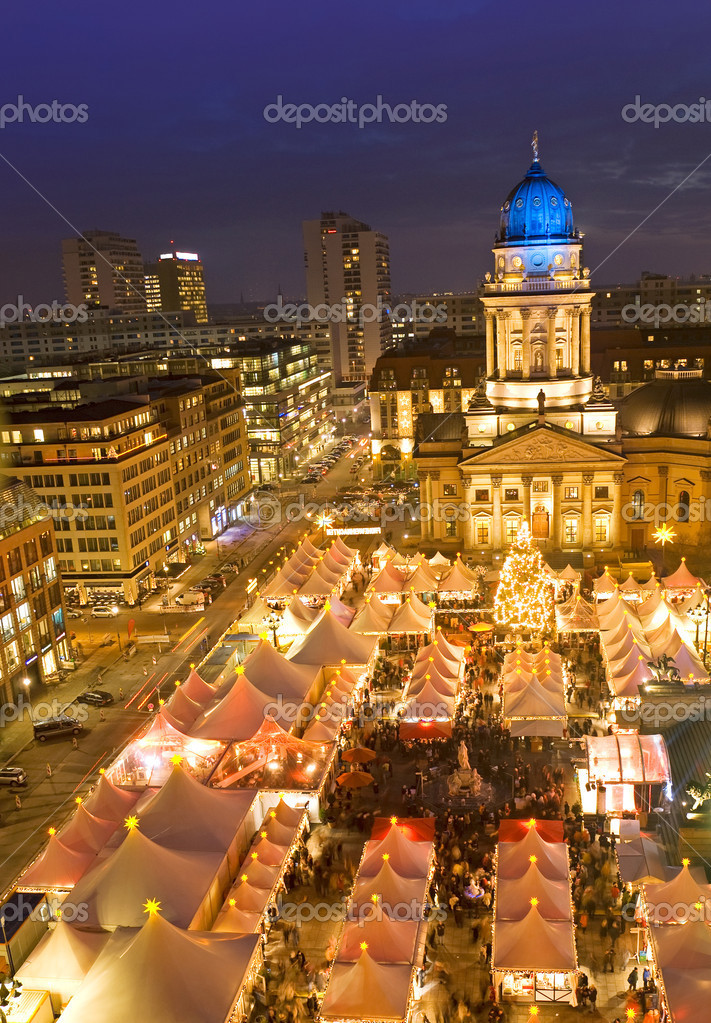 Winterzauber christmas market on gendarmenmarkt berlin germany — Stock Photo #11356272