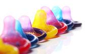 Bliska prezerwatywy kolorowe — Zdjęcie stockowe