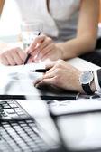 Details voor werkproces op zakelijke bijeenkomst — Stockfoto