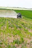 Ciągnik natrysku, rolnictwo — Zdjęcie stockowe