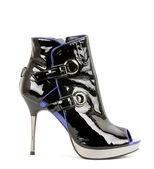 Sexy fashionable shoe isolated — Foto de Stock