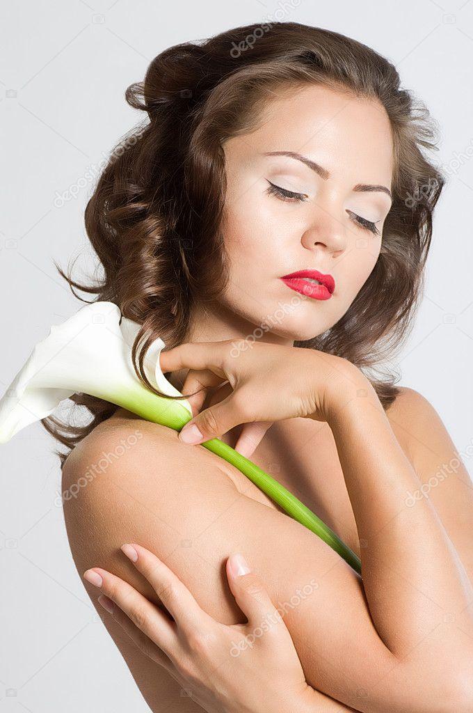 Обнаженная с белой лилии calla — Стоковое фото © Forewer ...: http://ru.depositphotos.com/10812042/stock-photo-nude-woman-with-white-calla.html
