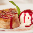 Tasty fruit cake and ice cream — 图库照片 #11384634