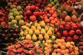 Fruit at the market — Stock Photo