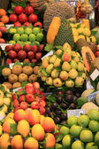 Tropical fruit at the market — Stock Photo