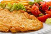 Costeleta de porco, batatas fritas e legumes — Foto Stock