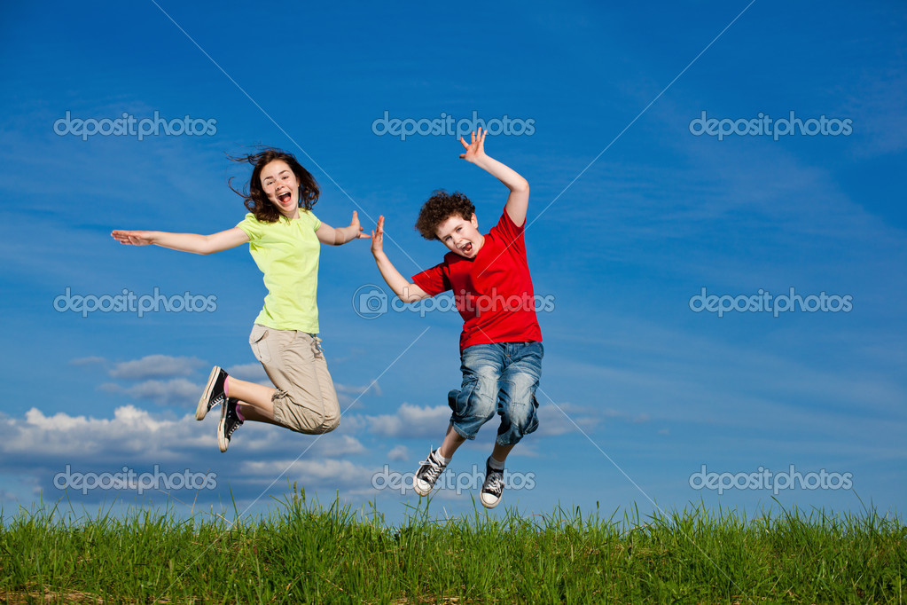 Girl and boy running, jumping outdoor — Stock Photo #11835077