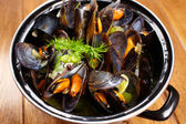 Mussels with lemon — Stock Photo