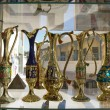 Egyptian vases are on the showcase in gift shop — Stock Photo